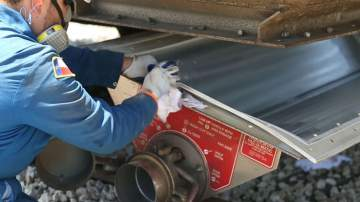 railcar cleaning service